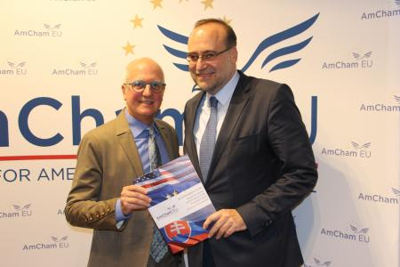 Karl Cox, Chair of the Board, presents AmCham EU's recommendations to the Slovak Presidency